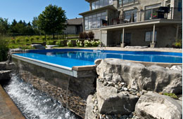 Piscine creus e piscine hors terre piscine en c dre spa - Piscine creusee contemporaine tourcoing ...
